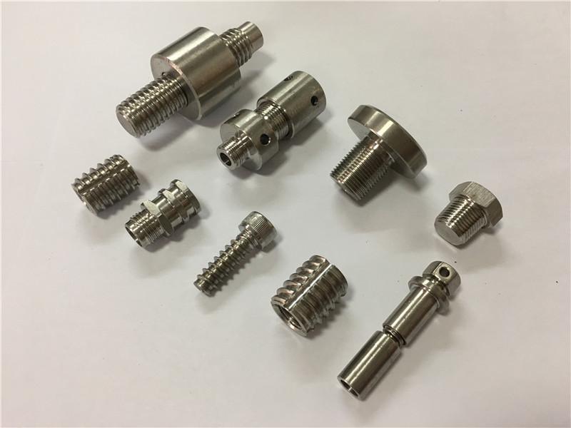 Ti6Al4V Gr.5 titan fastener từ hlmet din ISO asme